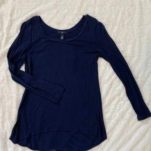 Gap Navy Blue Long-Sleeve Tee Size S
